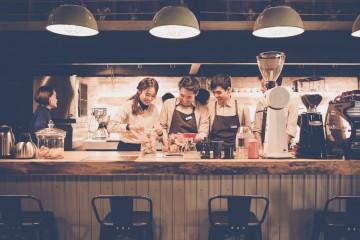 Muôn kiểu quán cà phê của Đà Lạt khiến du khách cứ mãi vương vấn lòng