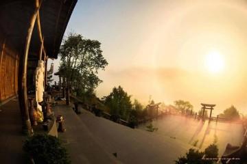 Ngắm bình minh tuyệt đẹp tại chùa Linh Quy Pháp Ấn