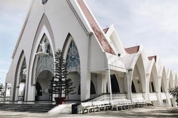 Các nhà thờ cổ ở Đà Lạt khiến bạn mê mẩn trong mọi khung hình