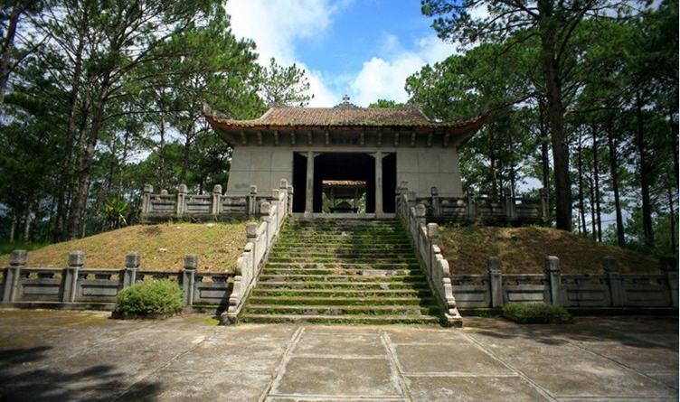 Lăng Nguyễn Hữu Hào