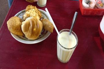 Sữa đậu nành - Thức uống ấm lòng nổi tiếng của phố núi