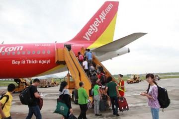 Đón chuyến bay đầu tiên đưa khách Trung Quốc đến Đà Lạt